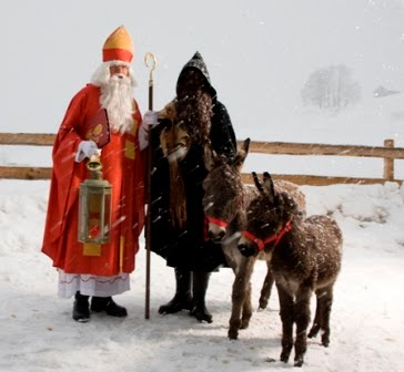 Pere Noel and Pere Foutettard